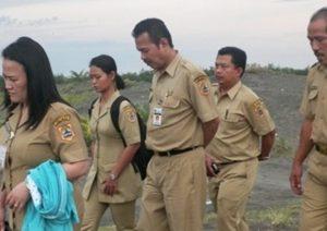 Tim KeSEMaT dan KKMD Jawa Tengah saat melakukan monev mangrove di Pansel, Jawa Tengah.